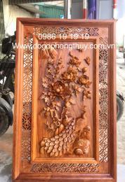 Tranh gỗ hương chim công hoa mẫu đơn