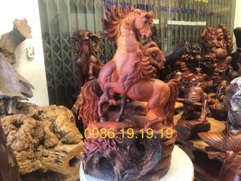 Tượng Song Mã Uyên Ương gỗ hương krongpa