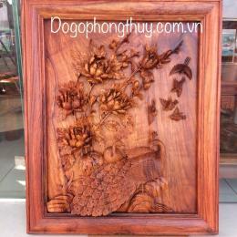 Tranh chim công mẫu đơn gỗ hương