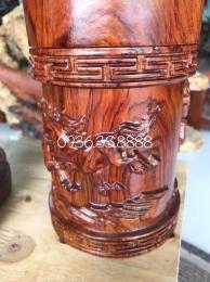 Hộp đựng Trà Bát Mã, gỗ Cẩm Lai Đăk lắk cao 18cm đk 12cm