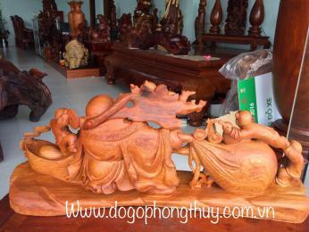 Tượng di Lặc kéo bao tiền, gỗ hương Gia Lai nguyên khối