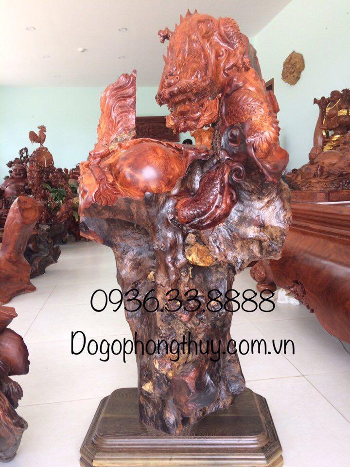 Tượng nhất long vờn ngọc gỗ hương cao 1m45cm rộng 70cm sau 50cm