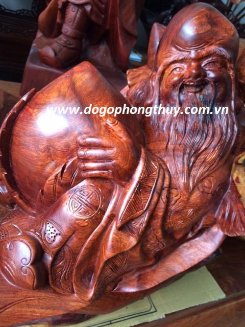 Tượng ông Thọ gỗ hương Gia Lai