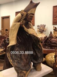 Tượng Tế Công hoạt phật, gỗ cẩm lai nguyên khối