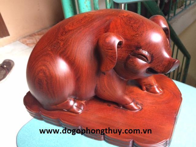 Tượng Heo phong thủy gỗ Cẩm lai