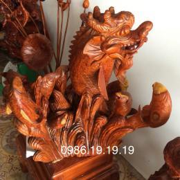 Cá chép hóa Rồng, gỗ hương Gia Lai nguyên khối