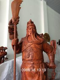 Tượng quan công trân ải gỗ hương  gia Lai nguyên khối