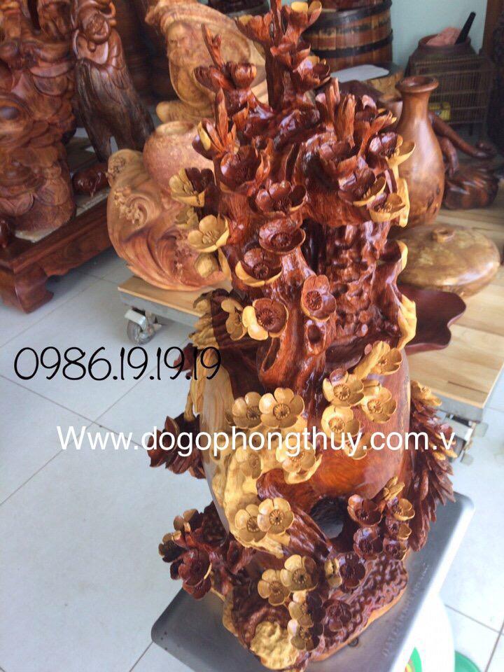 Bình mai phú quý tài lộc hoa mai chim én gỗ hương