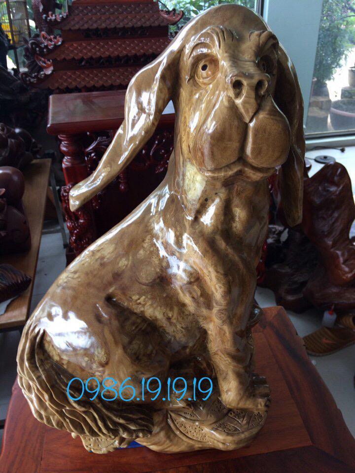 Tượng chó gỗ nu nghiến cao 70cm rộng 40cm sâu 36cm