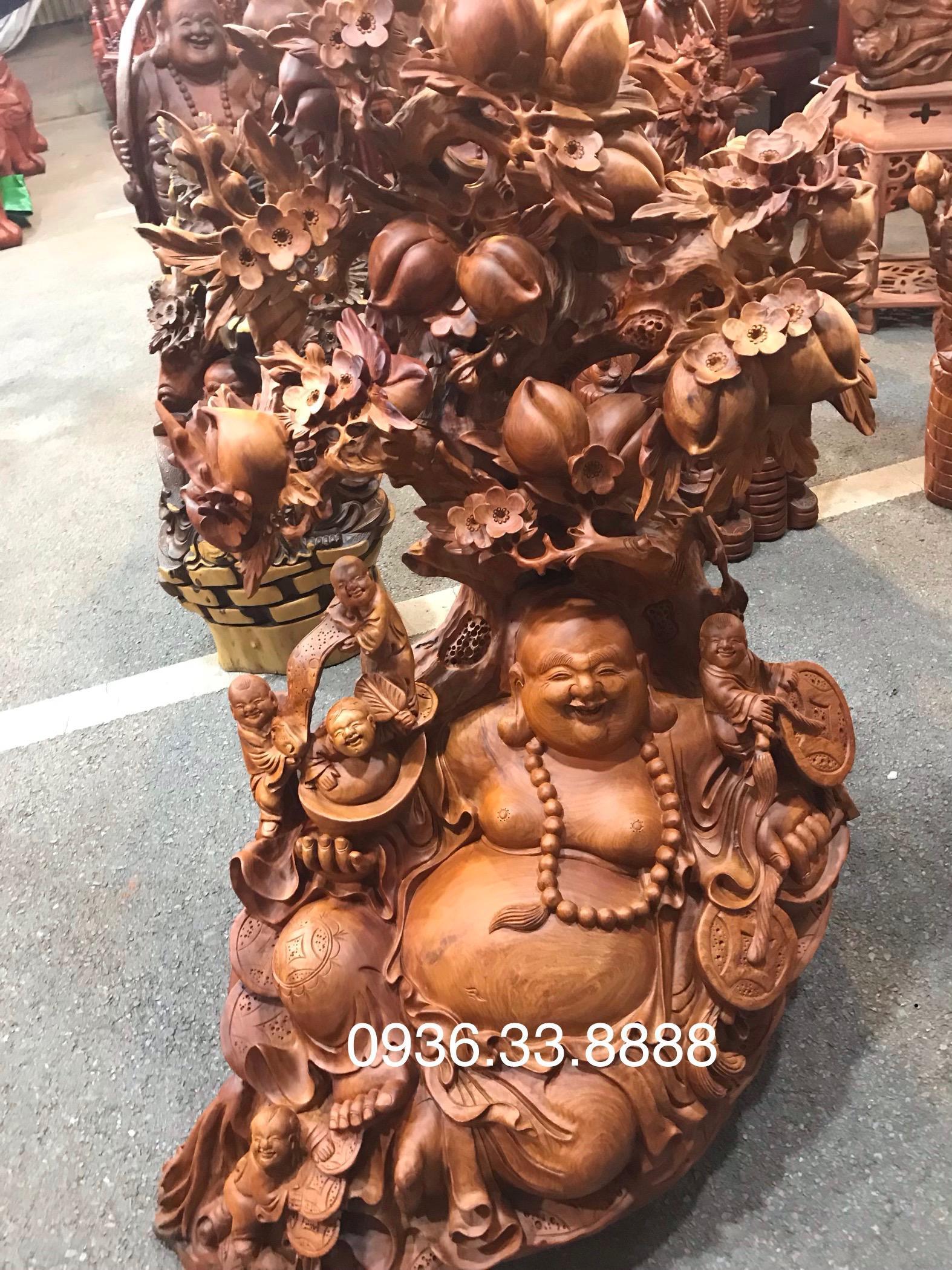 Tượng di lặc ngũ phúc ngồi gốc đào gỗ hương gia lai