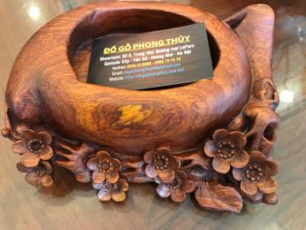Gạt tàn phong thủy, hoa mai gỗ hương nguyên khối