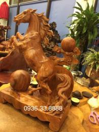 Tượng Ngựa - tượng mười hai con giáp, gỗ hương gia lai