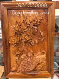 Tranh chim công và hoa mẫu đơn, gỗ hương gia Lai nguyên khối
