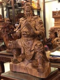 Tượng quan công đọc sách, gỗ hương Kbang Gia lai nguyên khối