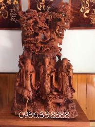 Tượng Tam Đa, ngồi gốc tùng gỗ hương nguyên khối