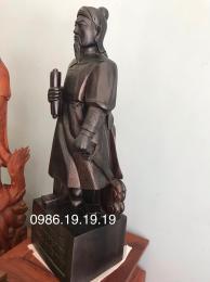 Tượng Trần Hưng Đạo, Gỗ Mun Hoa nguyên khối