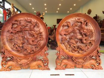 Đĩa Tứ Linh Gỗ Hương Gia Lai khối khối, Cao 86cm đk 70cm dây 10cm