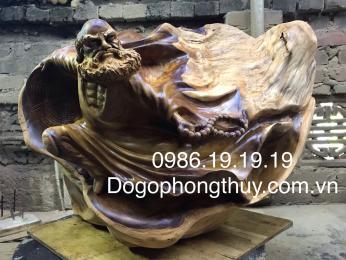 Tượng Đạt ma sư tổ gỗ Nu bách xanh nguyên khối