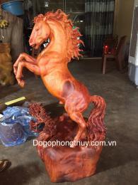 Tượng Ngựa PhongThủy  Gỗ Hương Gia Lai