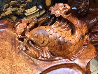 khay trà phong thủy, gỗ nu hương chun sụn, Đục Cá Chép lá Sen