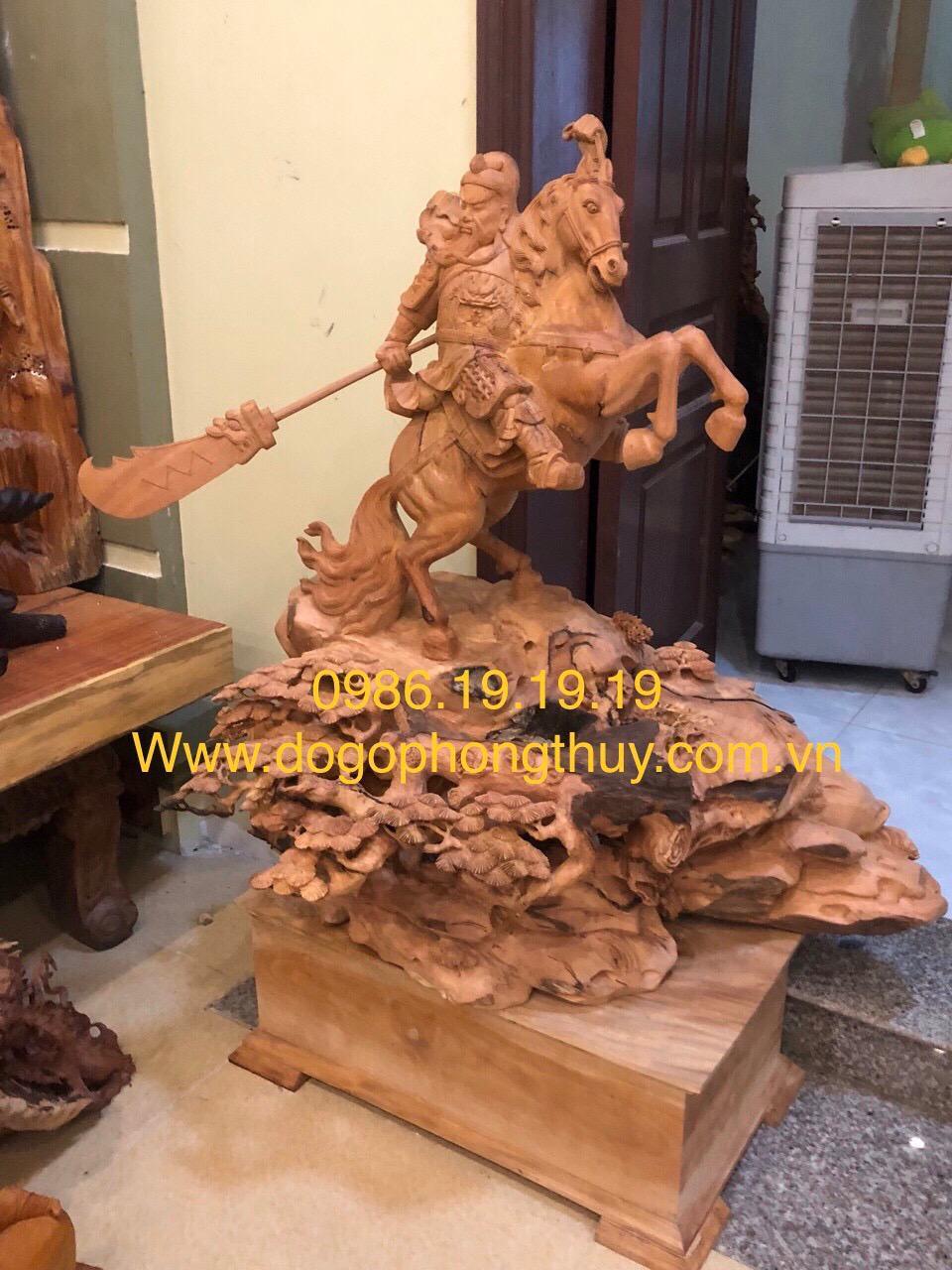 Tượng Quan Công Cưỡi ngựa Gỗ Hương Gia Lai