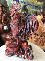 Tượng gà trống gỗ trắc đỏ. cao 55cm rộng 37cm sâu 30cm