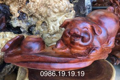 Tượng heo phong thủy gỗ hương, cao 26cm rộng 42cm sâu 20cm