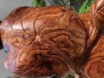 Tượng di lặc chúc phúc lá sen gỗ Cẩm